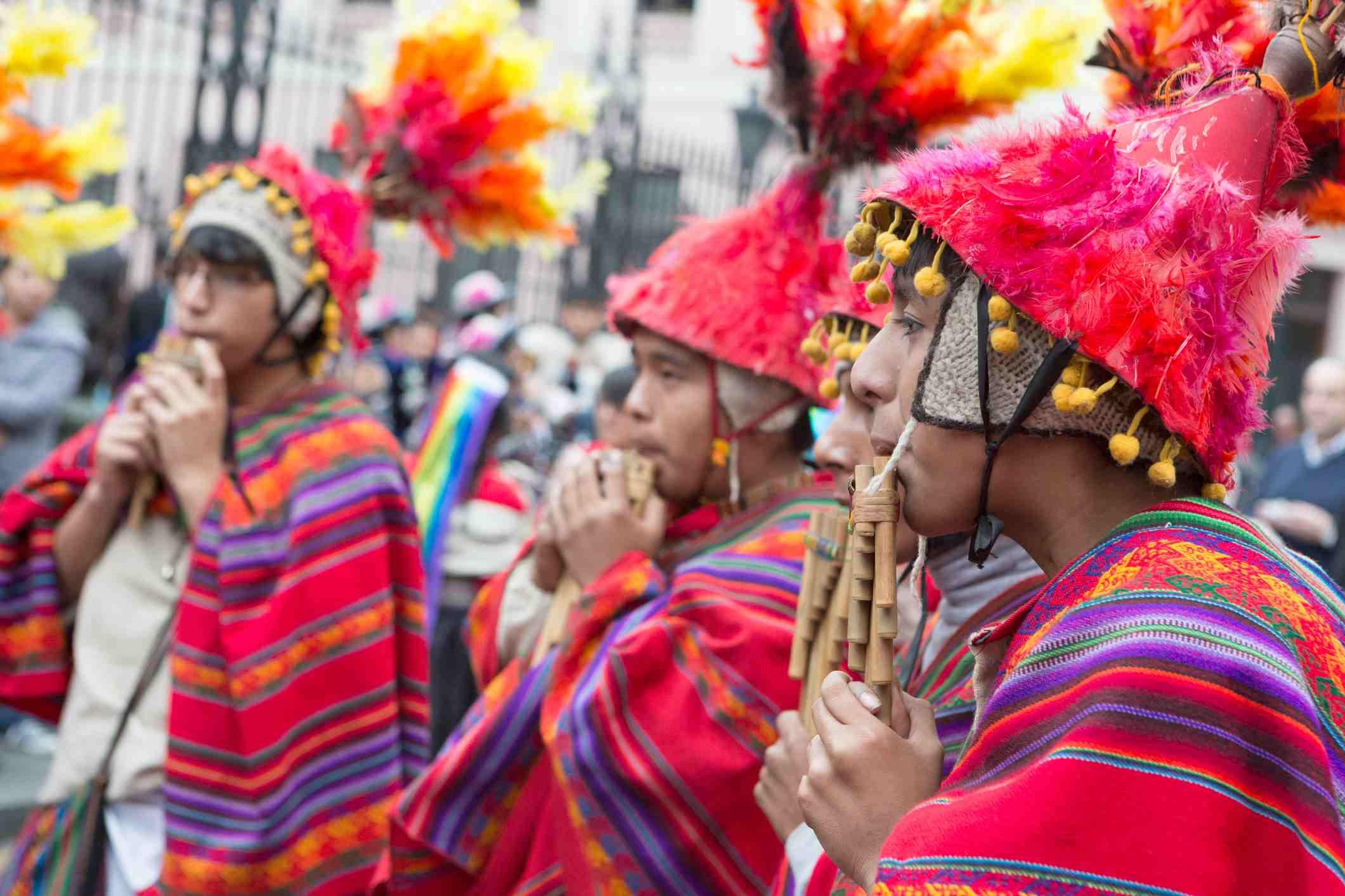 Músicos participan en el Festival de la Virgen