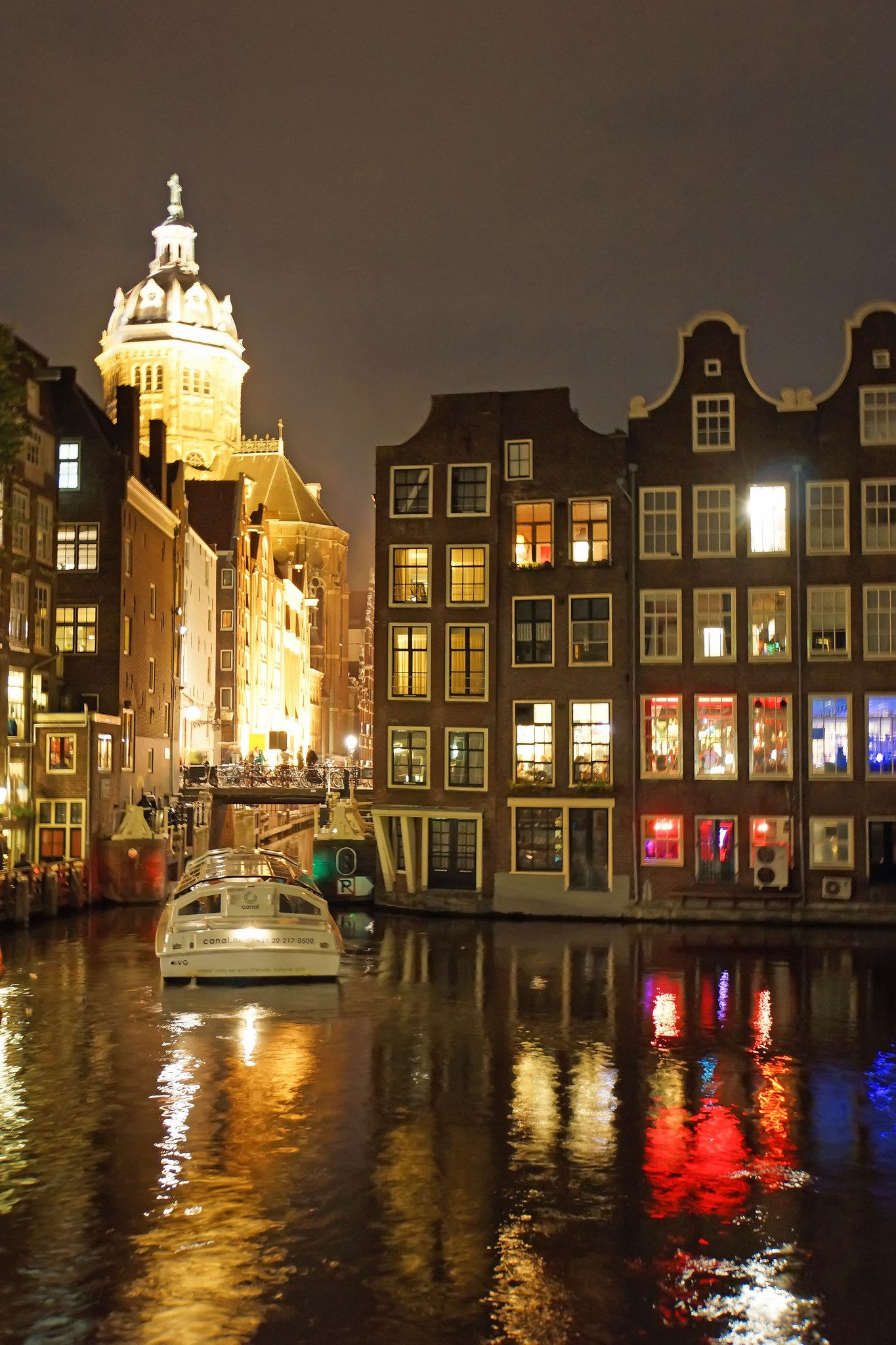 Guide to Amsterdam Canal Cruises