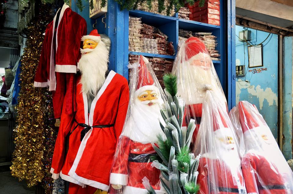 christmas santas for sale in kolkata