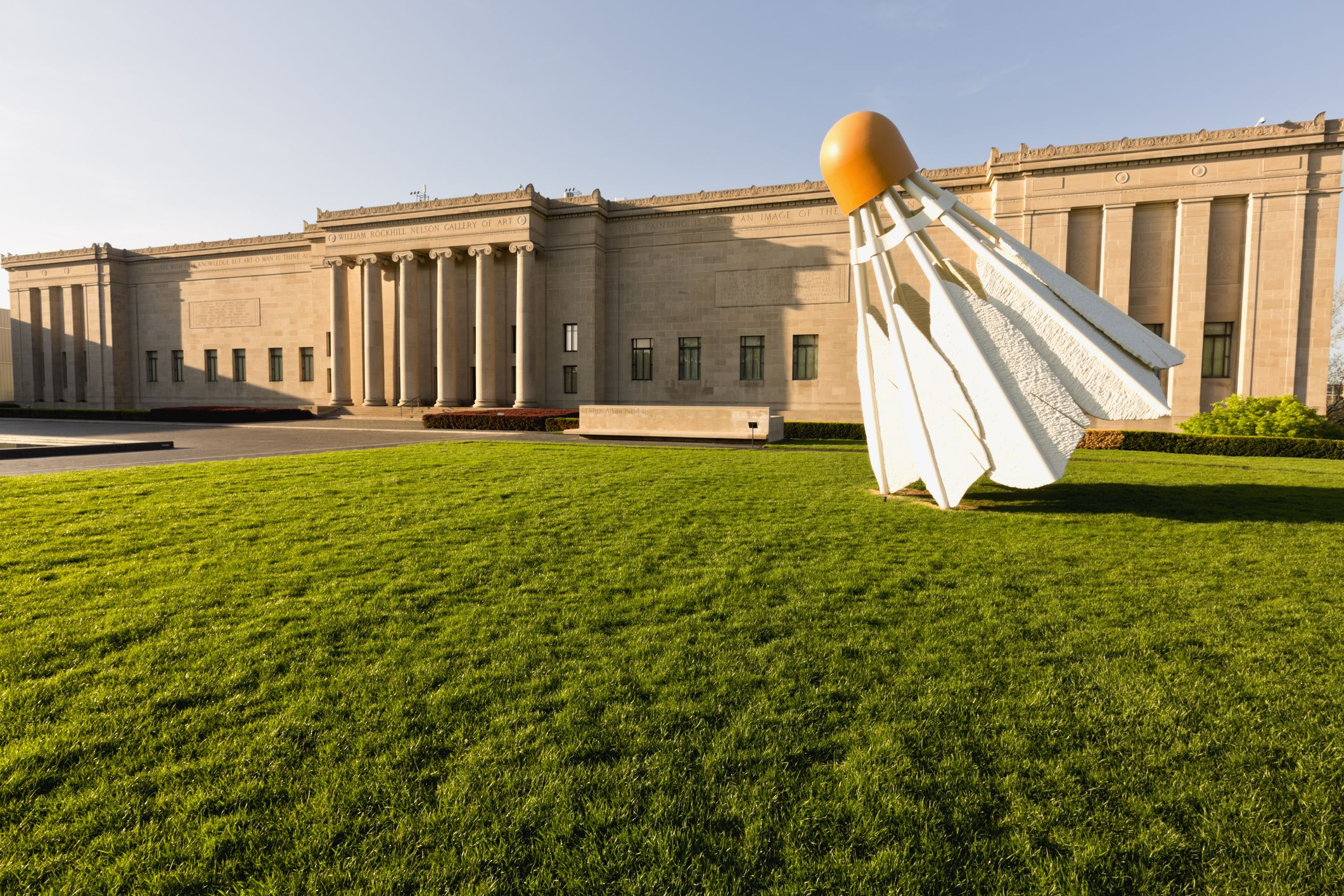 Shuttlecock sculpture on the lawn at the Nelson-Atkins Museum of Art