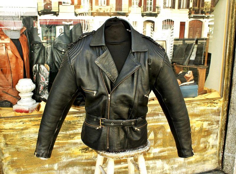 Jacket for sale at Guendj Milan
