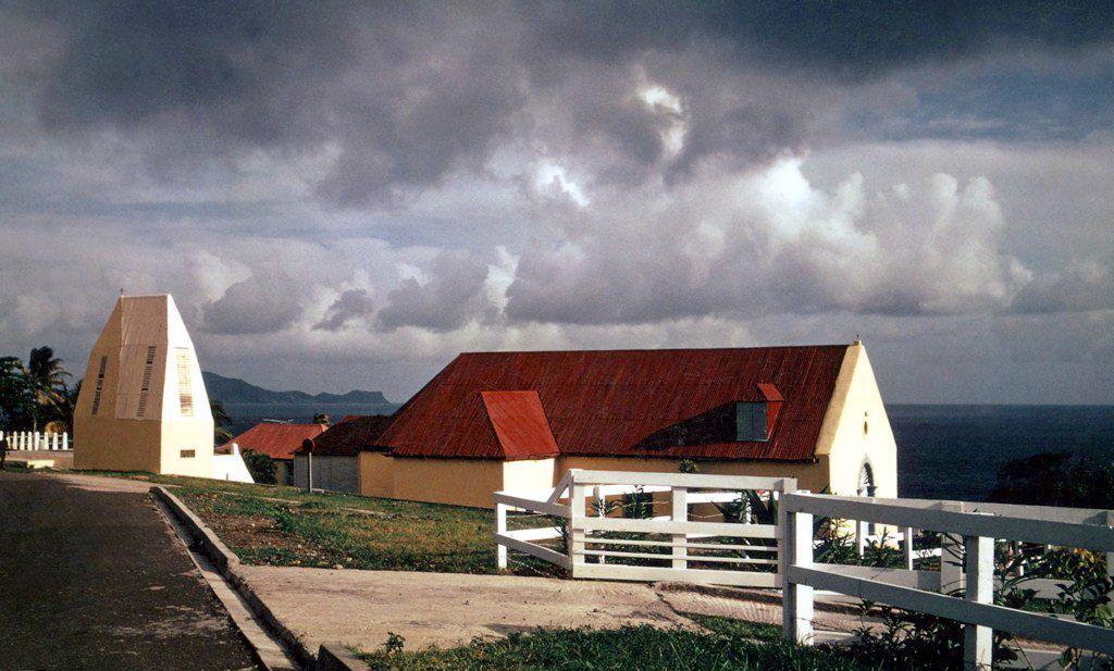 Eglise-de-Vieux-Fort-Guadeloupe.jpg