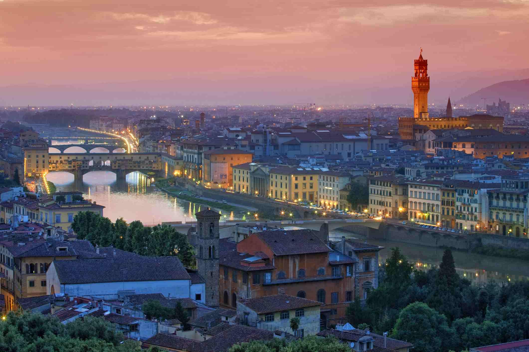 Descripción de Florencia de noche