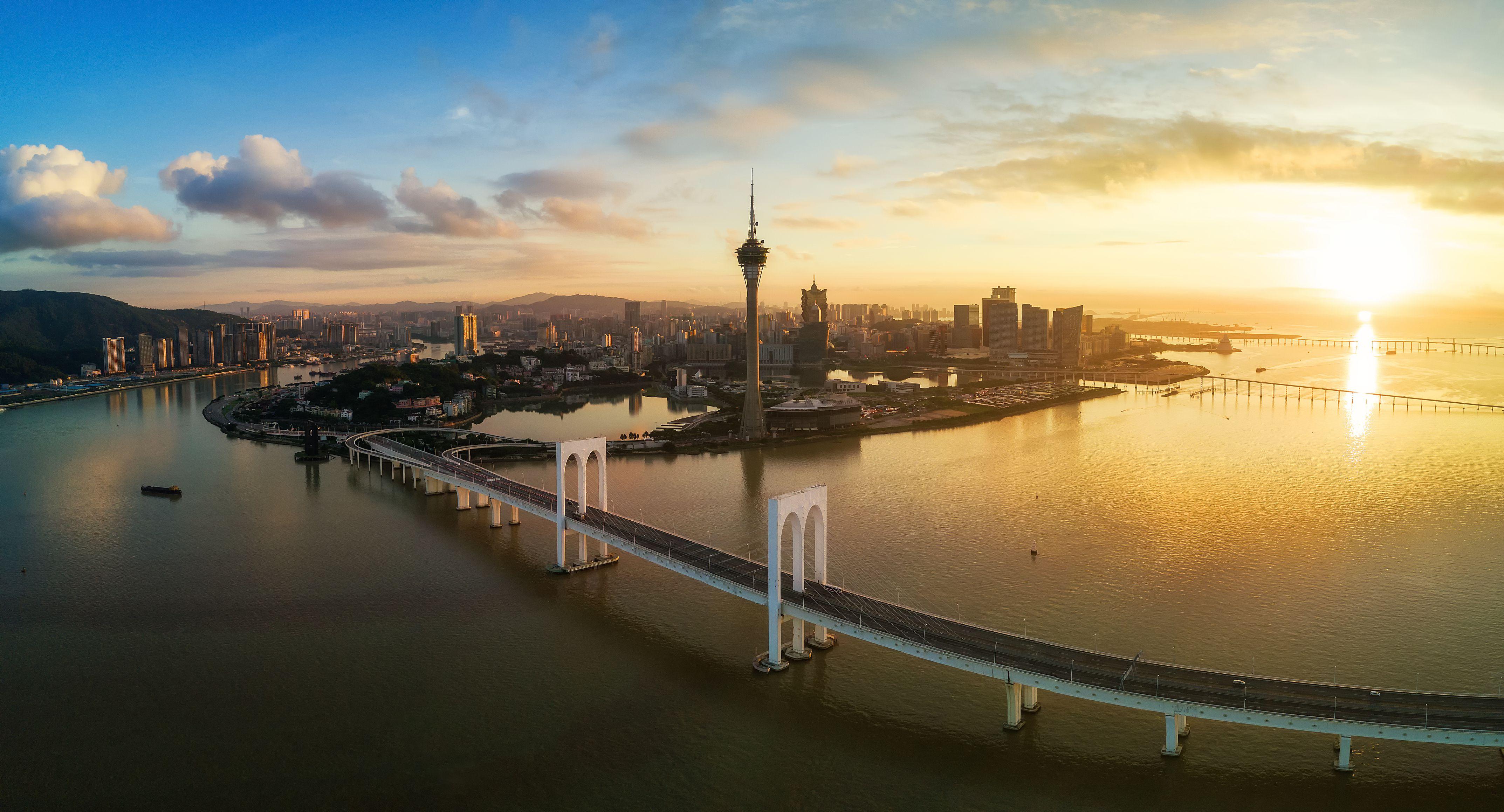 Essential Macau Travel Guide