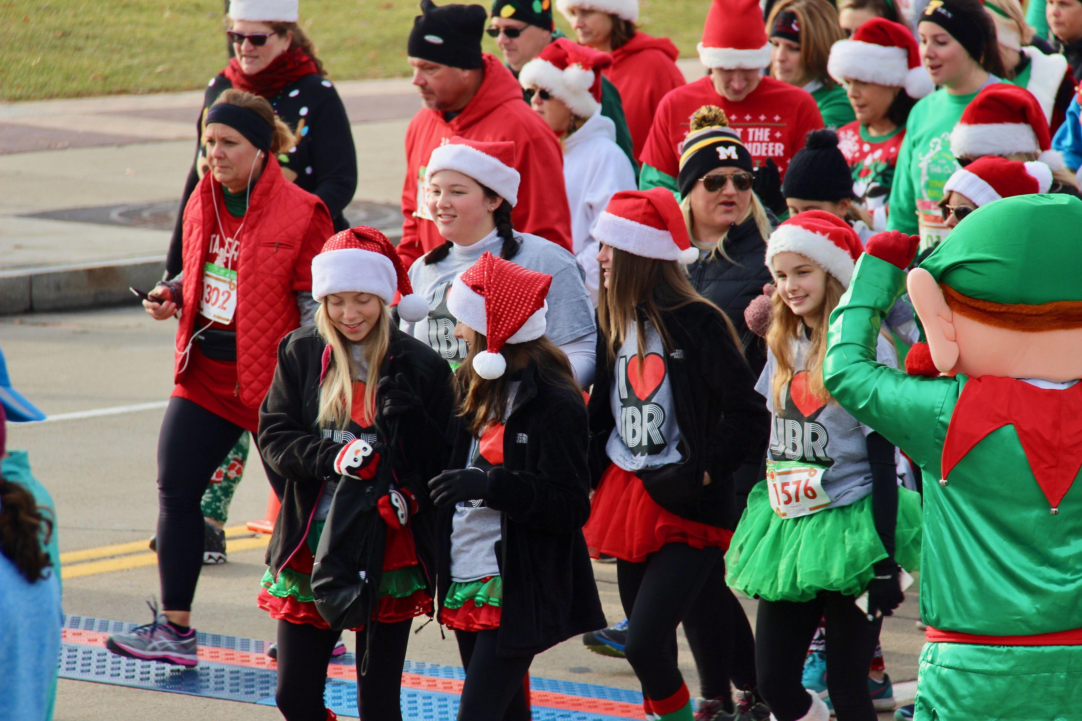 15 Holiday Volunteer Opportunities in Pittsburgh