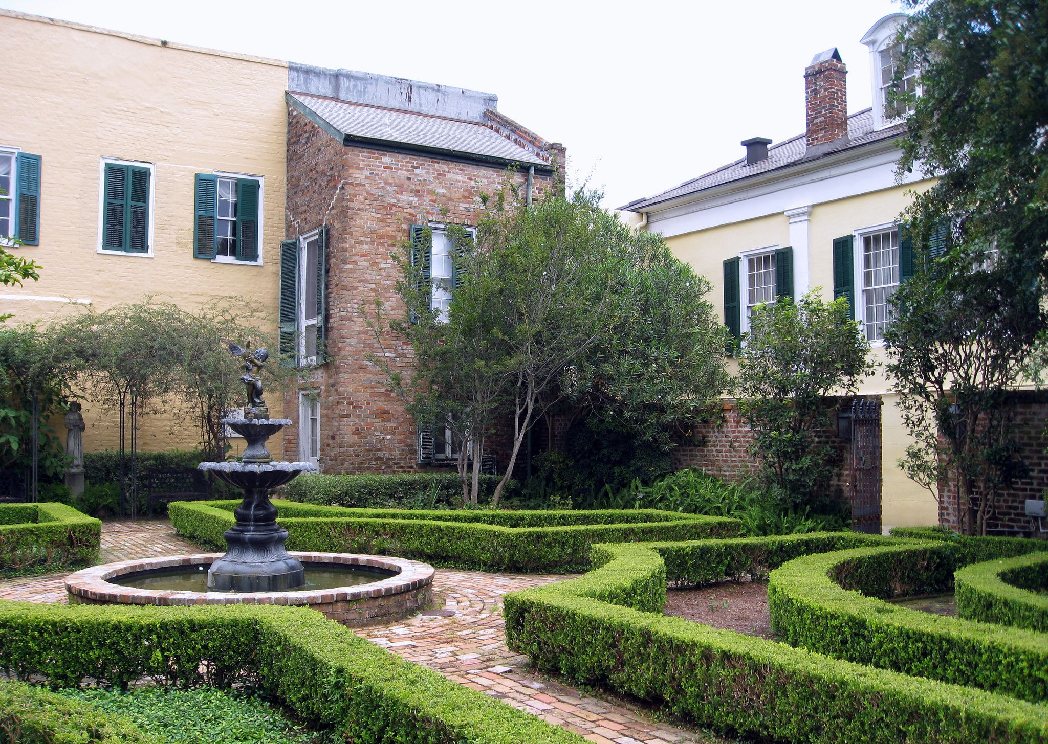 Beauregard-Keyes house garden, French Quarter, New Orleans