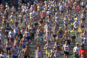Pack of Runners in the Los Angeles Marathon