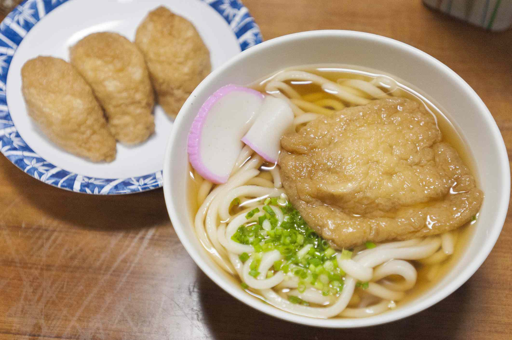 Kitsune udon and inarizushi