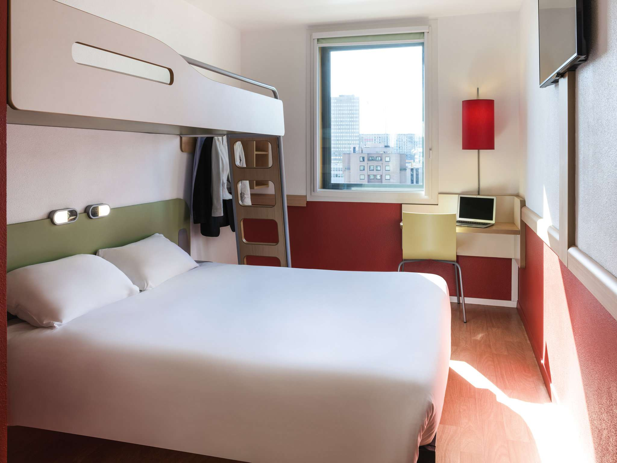 Ibis Budget Lyon Center- Part Dieu-- room
