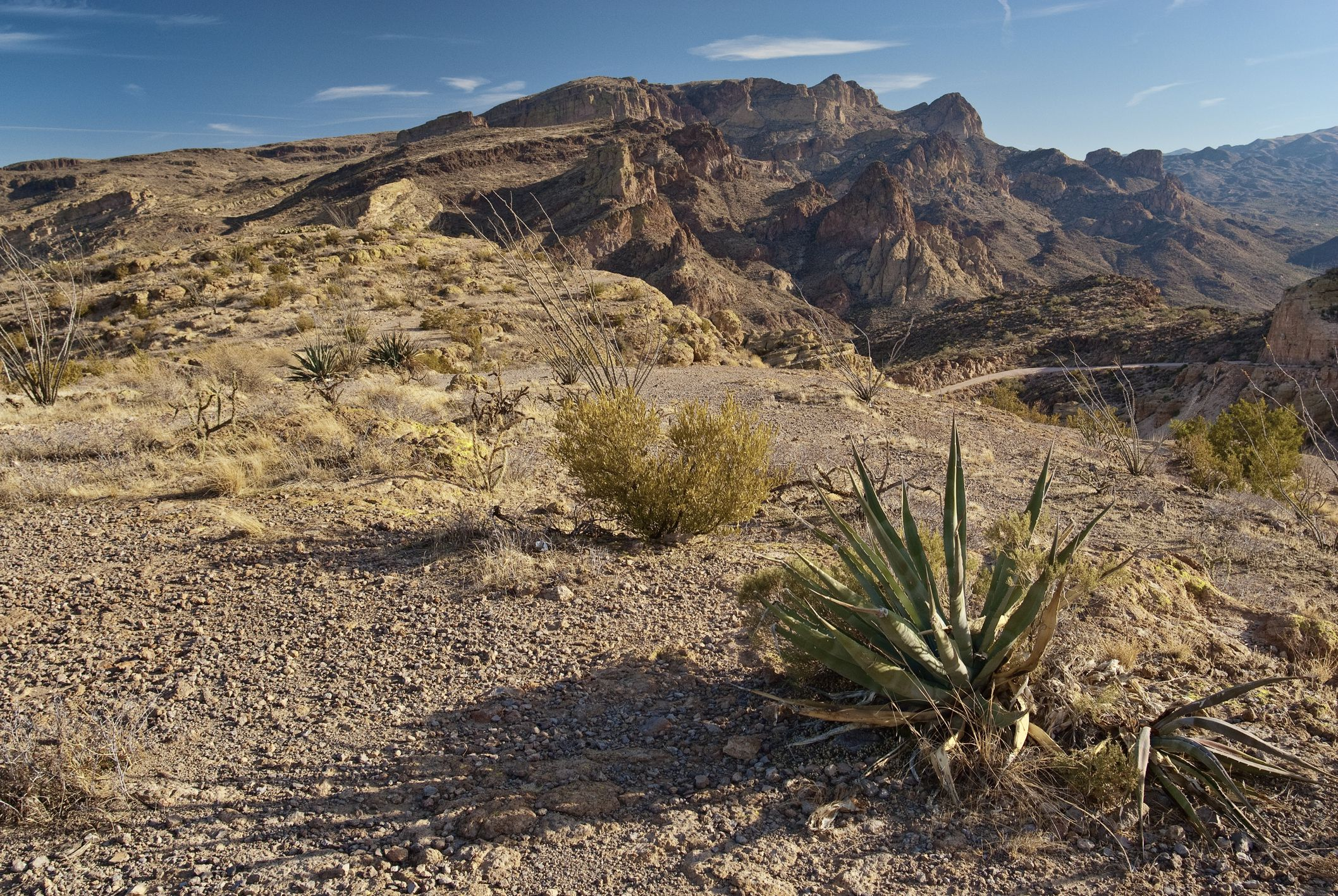 A Scenic Drive on the Apache Trail on