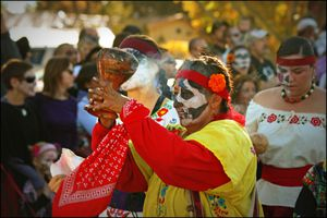 The smoking goblet at Day of the Dead celebration