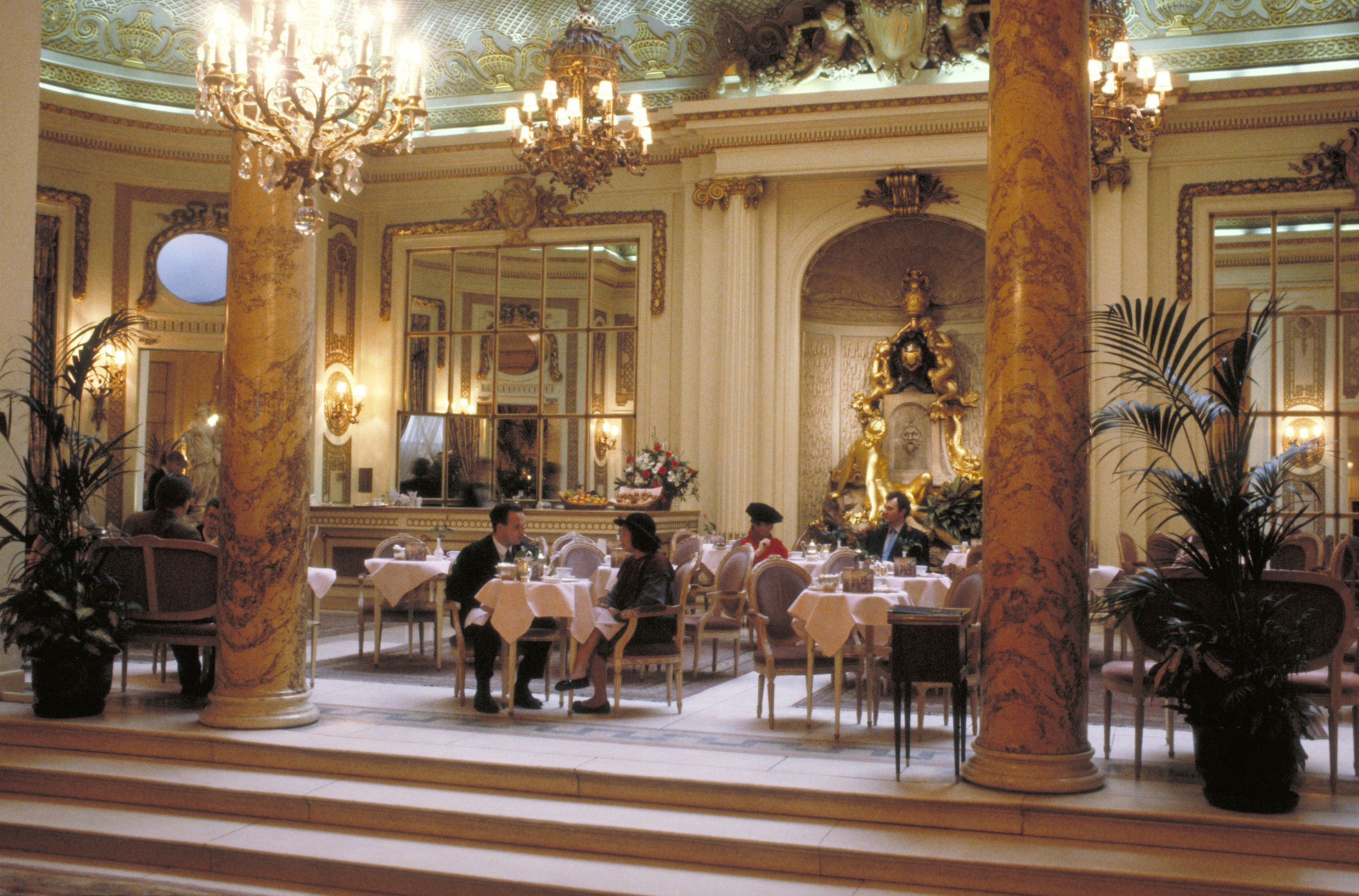Christmas At The Ritz London.Afternoon Tea At The Ritz London Review