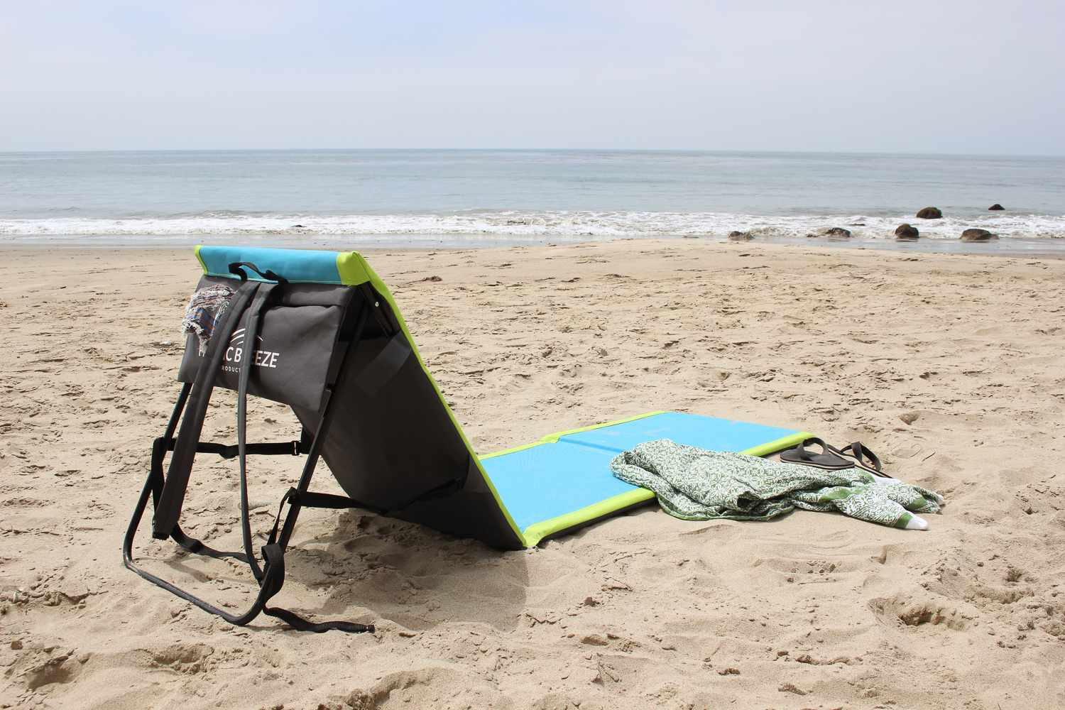 Pacific Breeze Lounger Two-Pack