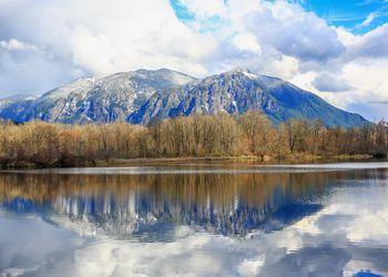 Reflection of Mount Si, WA-USA