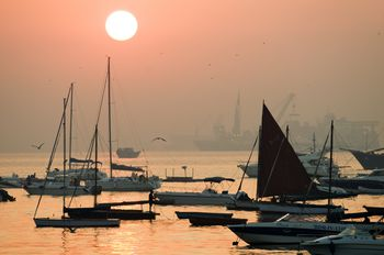 short essay on mumbai city