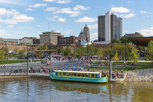 Promenade Park riverboat ride, Fort Wayne