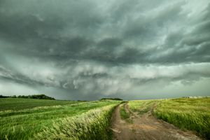 A tornadic supercell moving towards the town of ONeill, Nebraska, USA