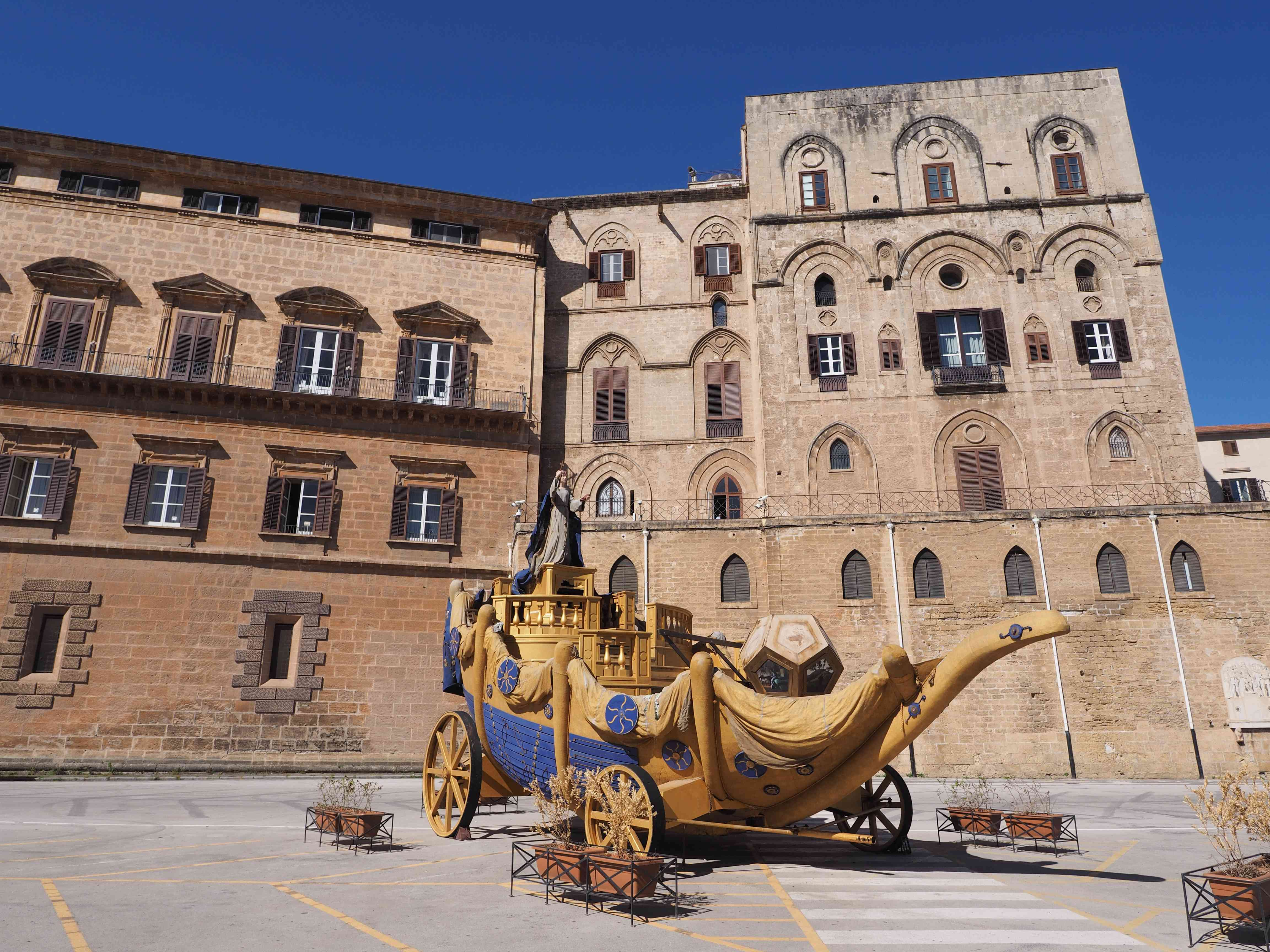 Carriage on the square behind Norman Palace, Palermo