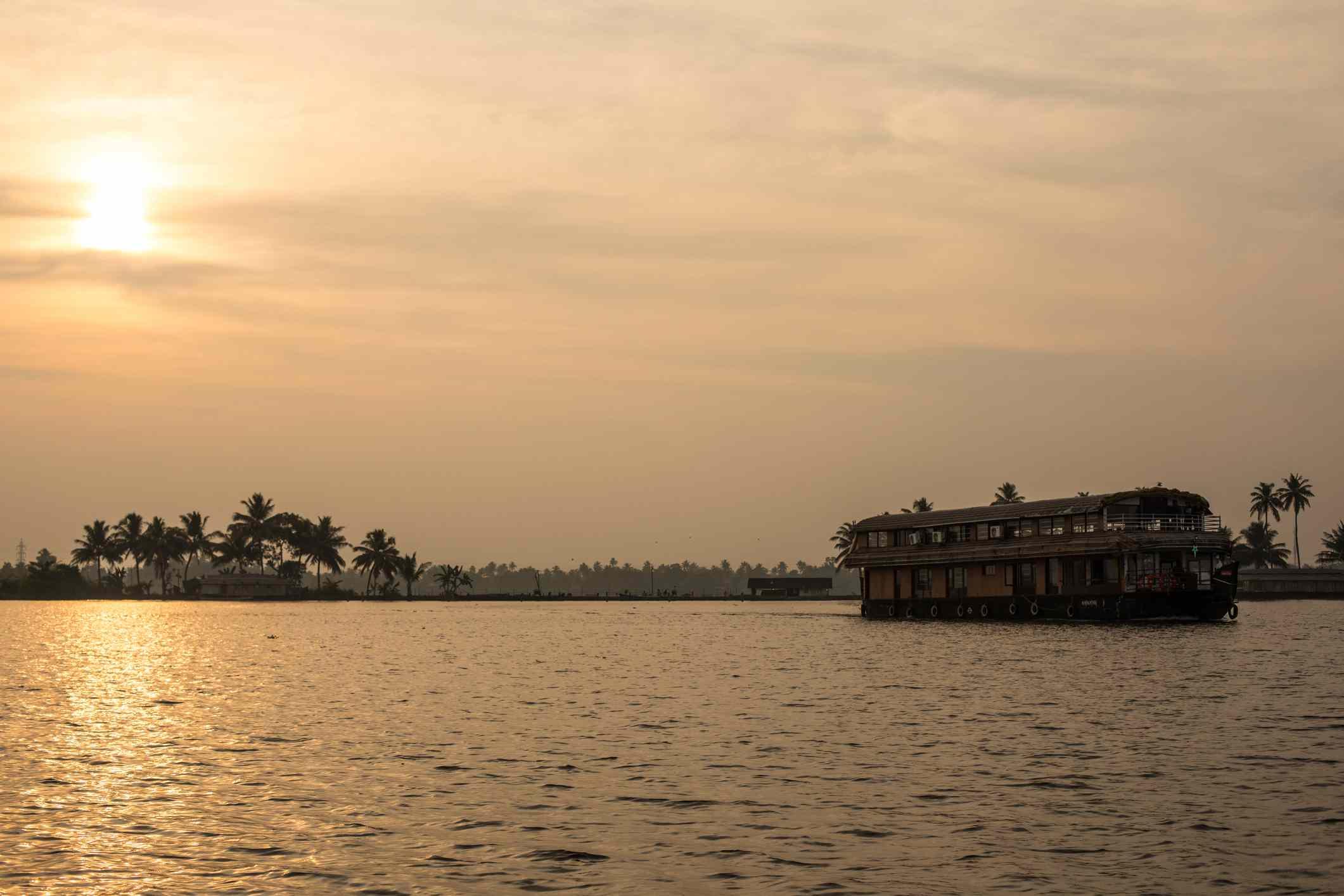 Remansos de Kerala al atardecer