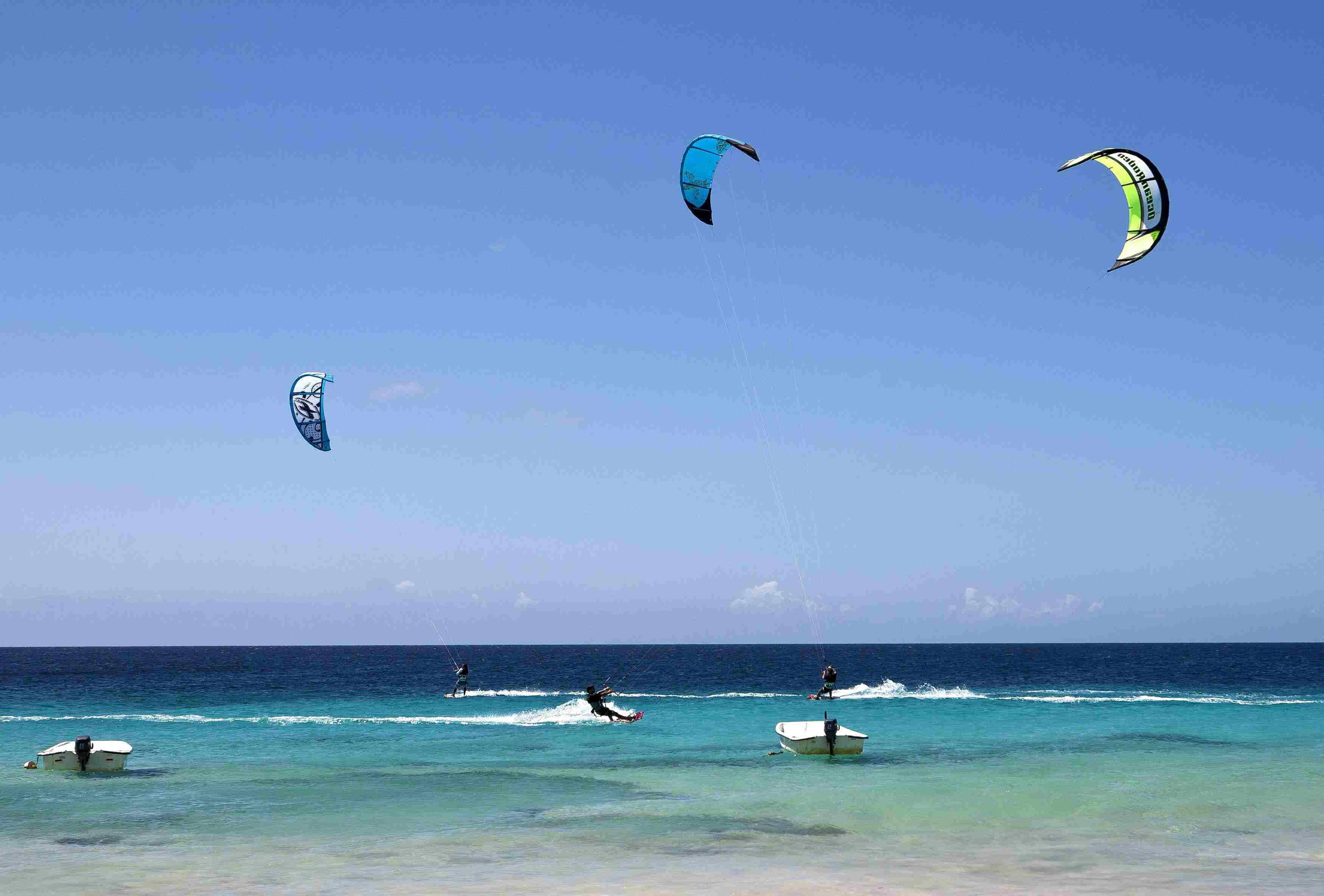 Kitesurfers and sailers in Bonaire