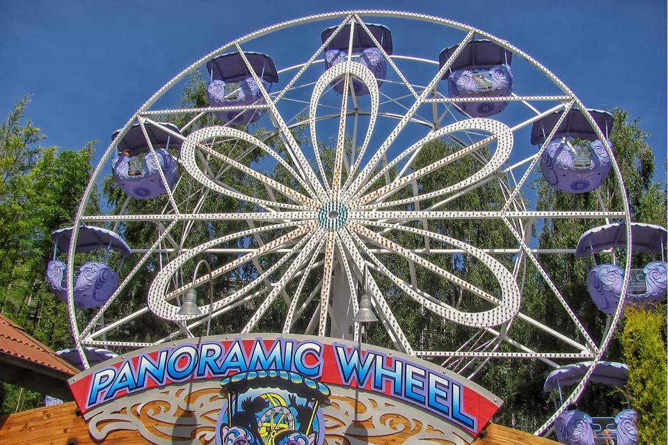 Panoramic Wheel Ride at Gilroy Gardens