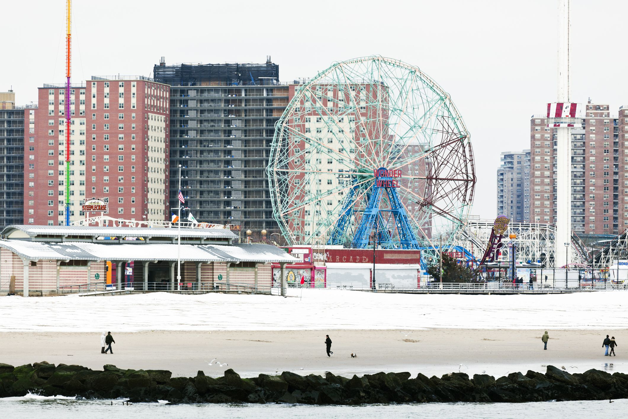 the best things to do at new york 39 s coney island in winter. Black Bedroom Furniture Sets. Home Design Ideas
