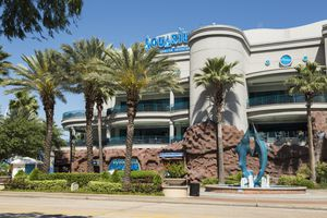 Frontage of Houston downtown aquarium