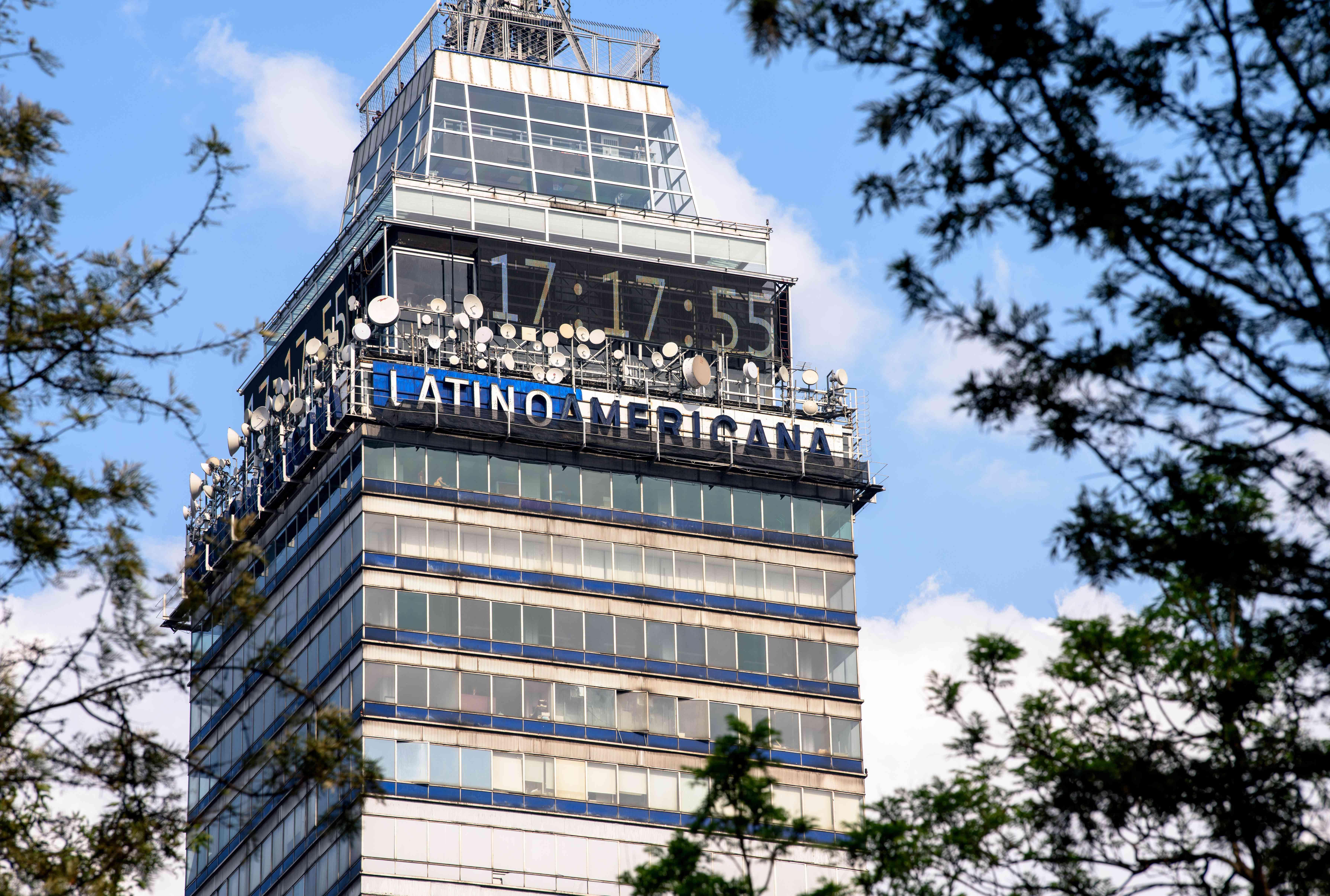 The top torre Latino Americana