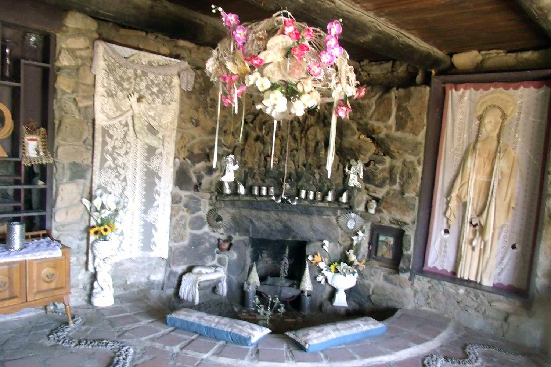Mystery castle Wedding altar