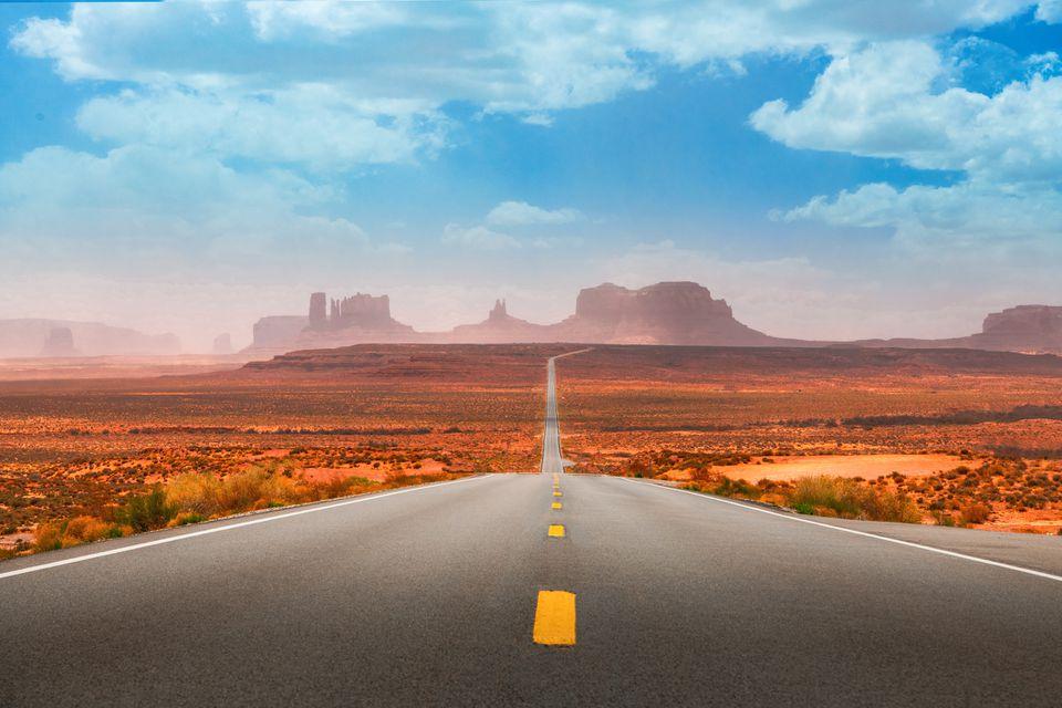Camino al Parque Tribal de Monument Valley