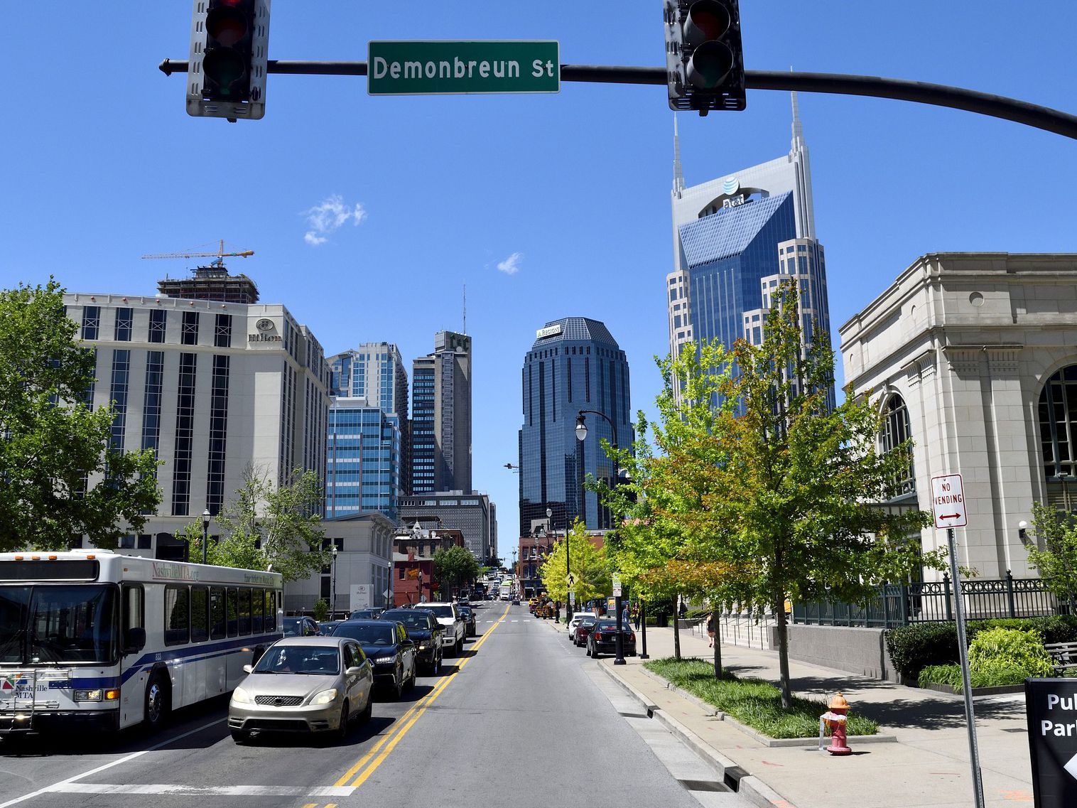 A Guide to Parking in Downtown Nashville