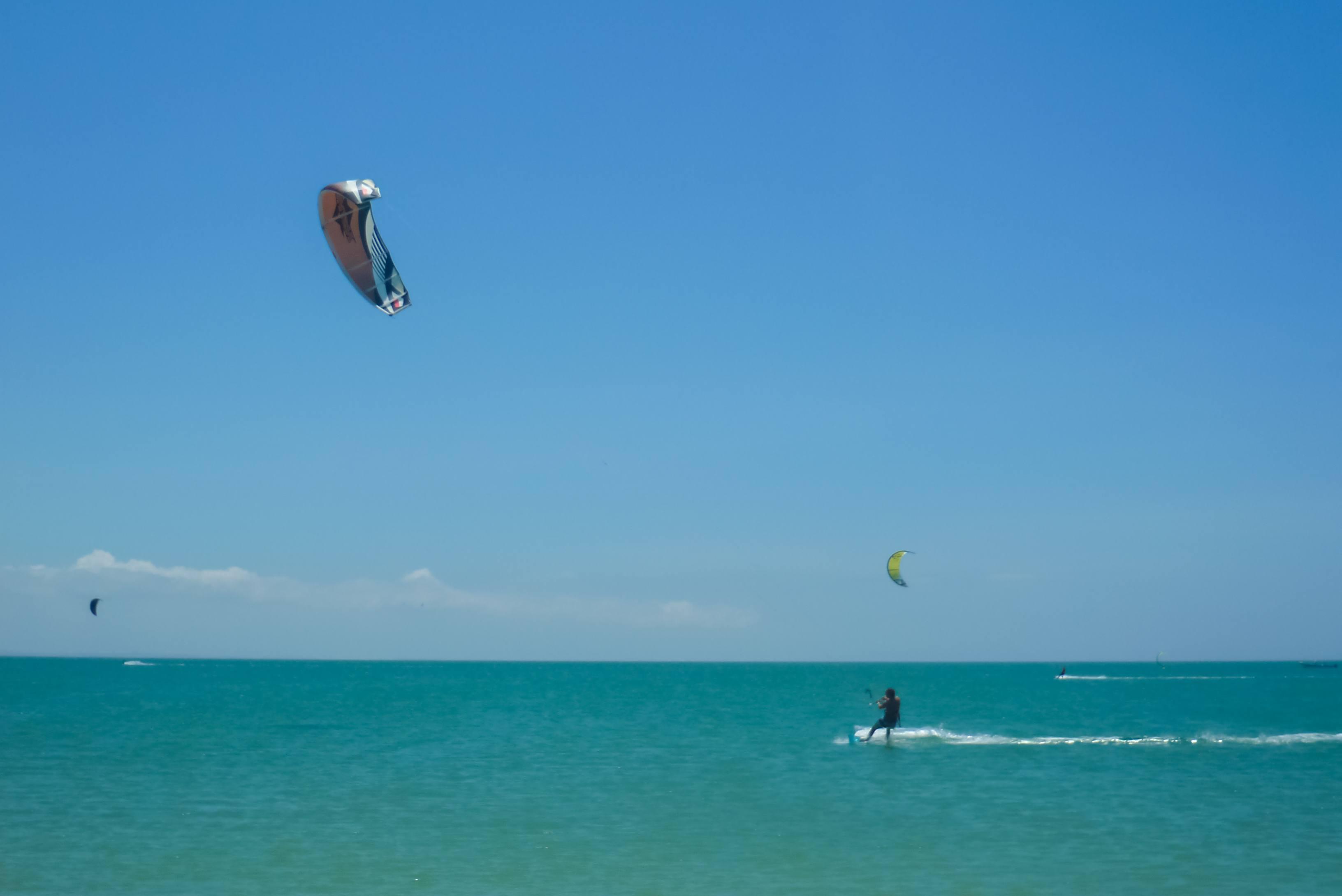 Kite surf en la playa de Punta Blanca