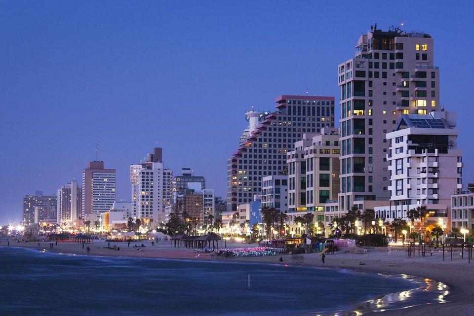 Israel, Tel Aviv, beachfront, hotels, dusk