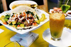 unBacon pita with Twisted Mango Smoothie