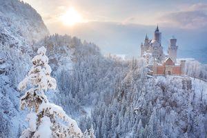 Castle Neuschwanstein in winter