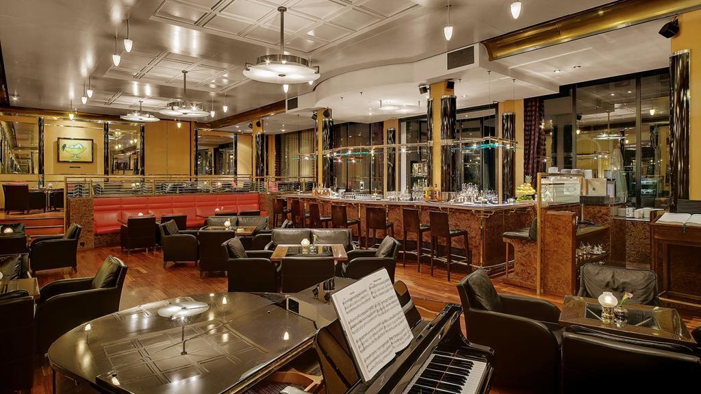 Atlantic Bar in Hamburg
