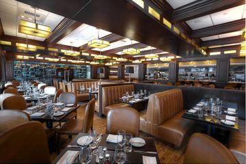 Mason Street Grill Dining room