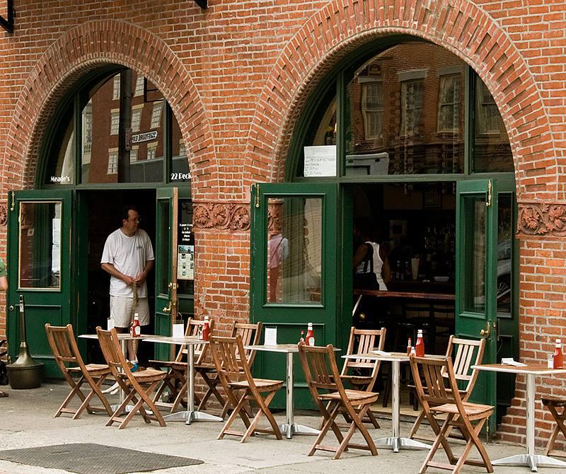 Acqua at Peck Slip Restaurant cerca de South Street Seaport