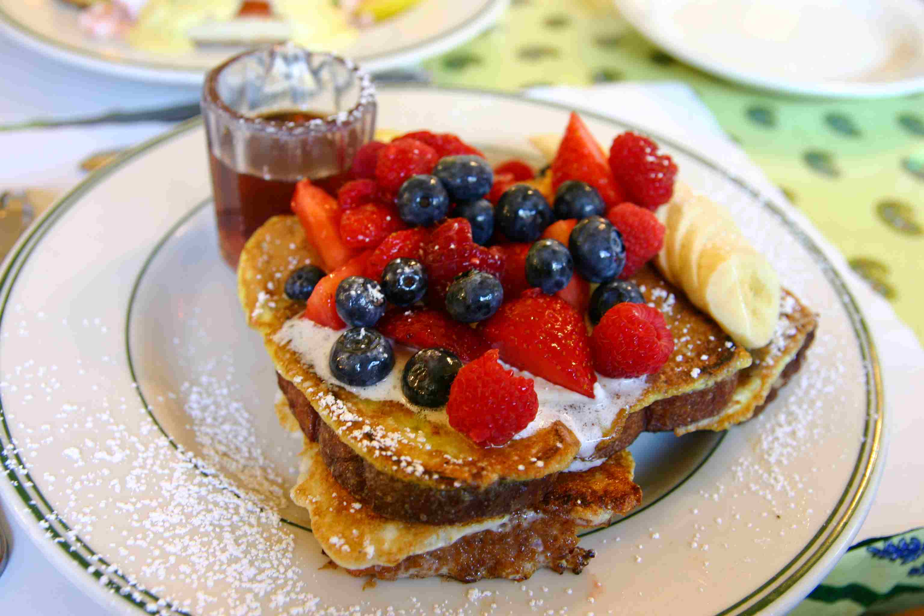 French toast with fruit on top