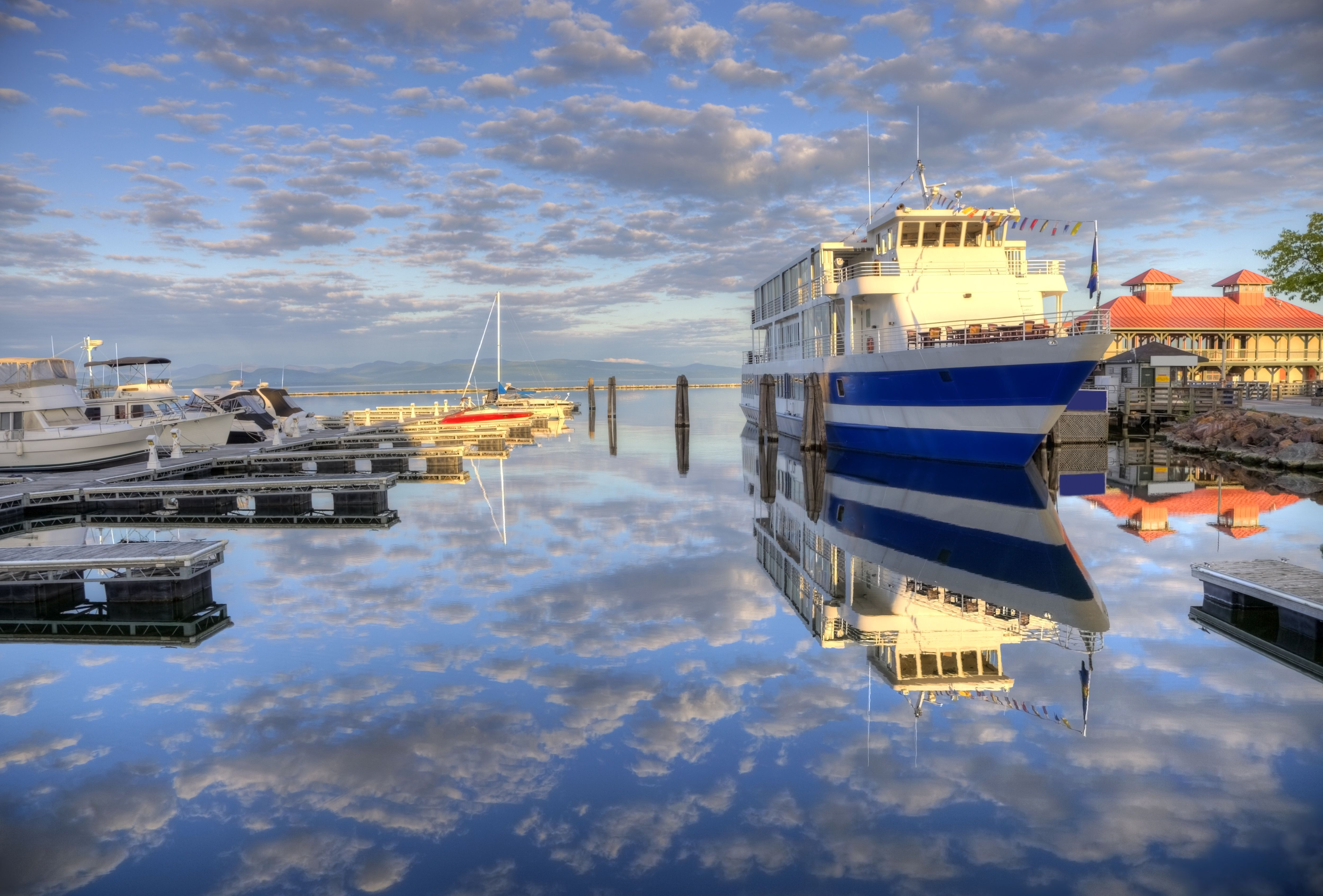 Lake Champlain Boat Tours in Burlington, Vermont