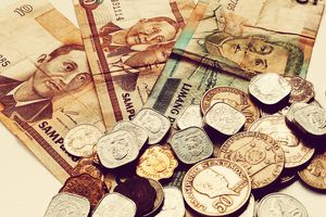 Philippine pesos come in a variety of paper notes and coins.