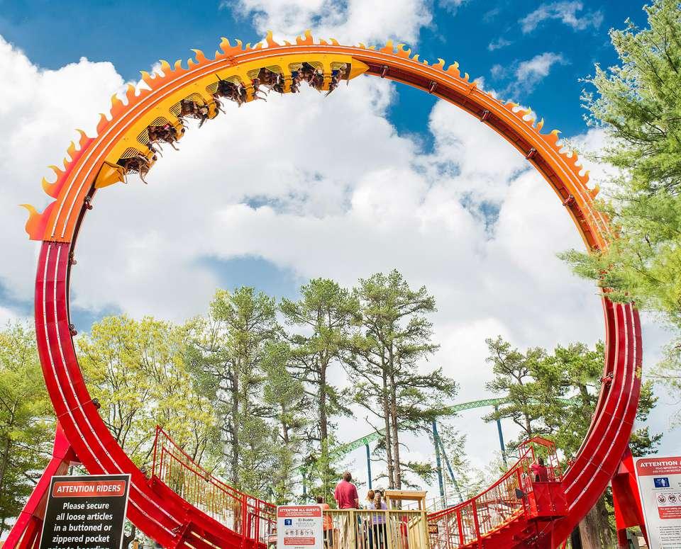 M Achusetts Six Flags New England Six Flags Fireball Ride