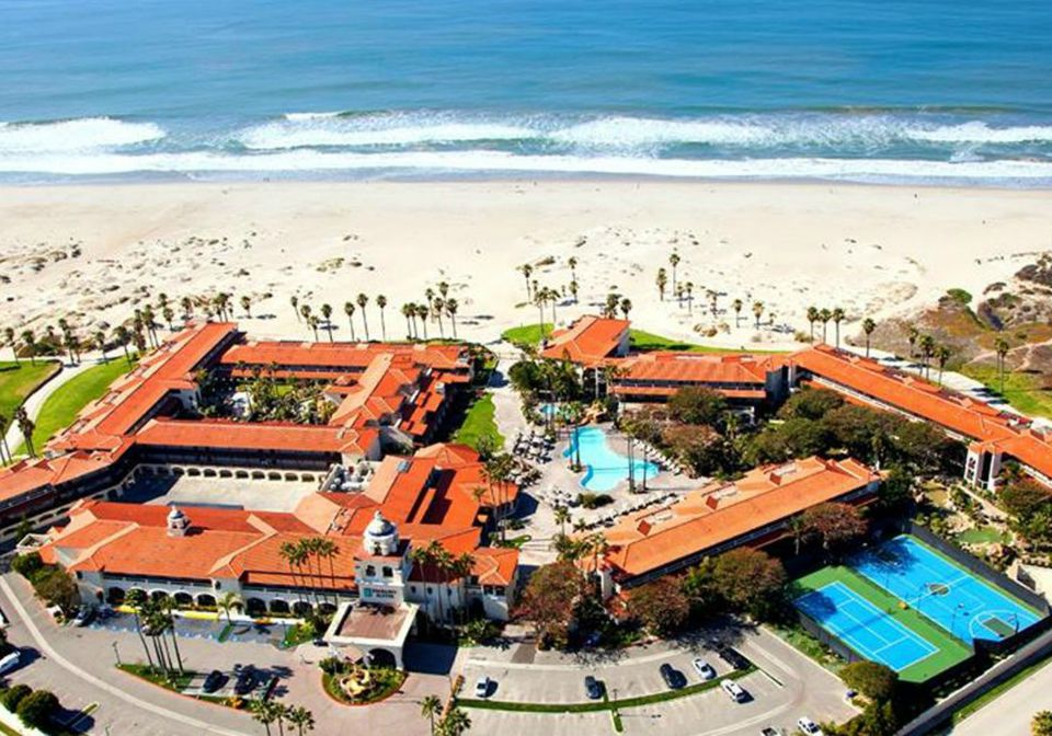Embassy Suites Mandalay Beach Hotel & Resort