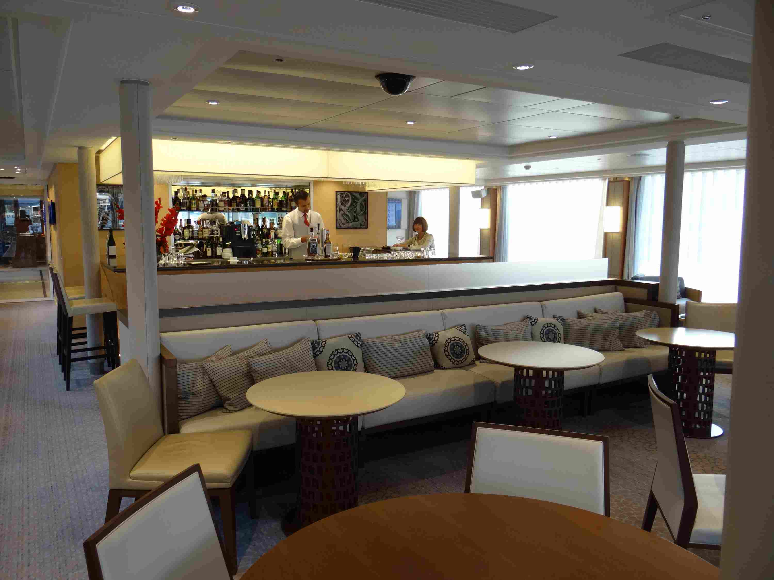 Lounge and bar on the Viking Elbe River cruise ships
