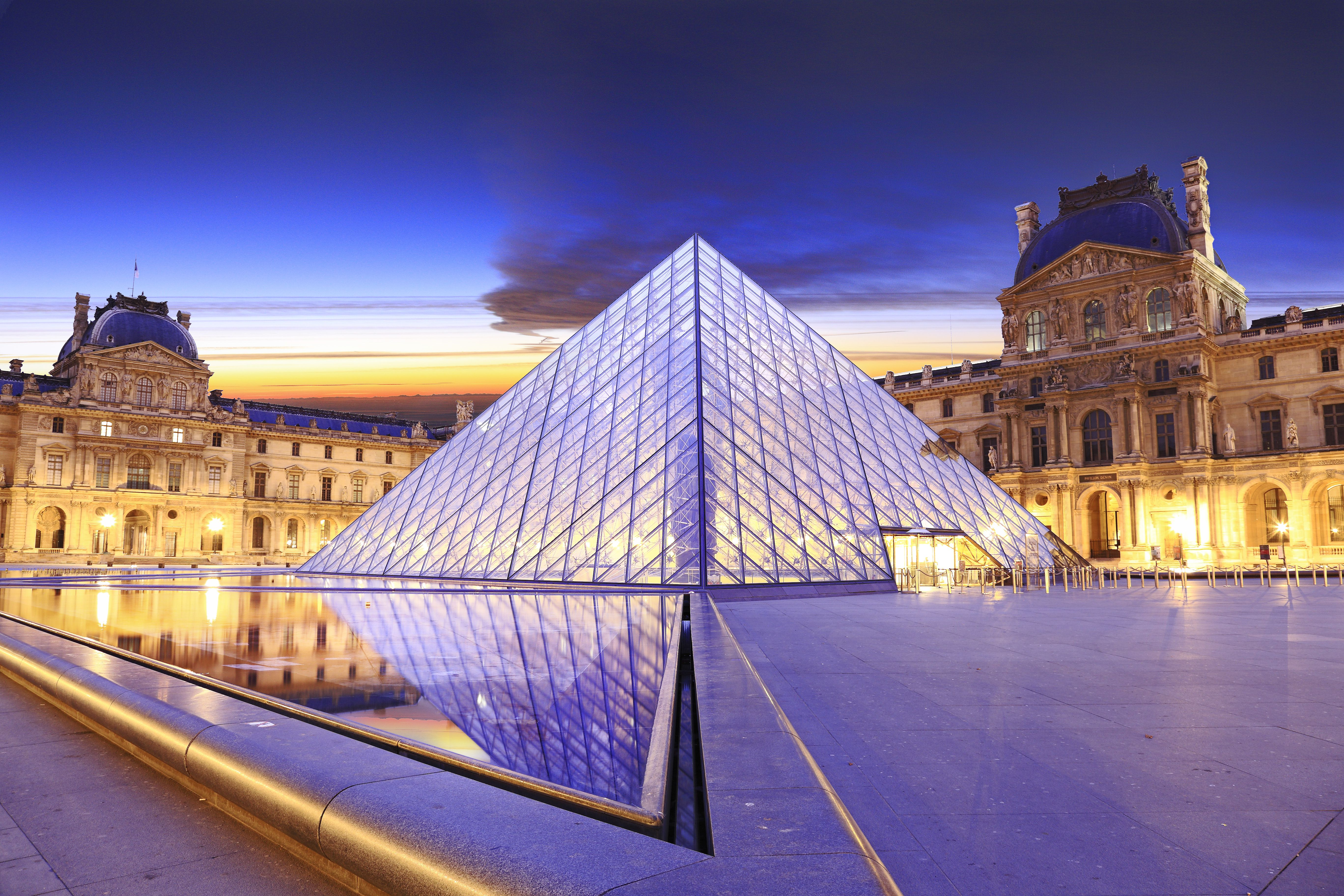 How to Enjoy the Louvre Museum