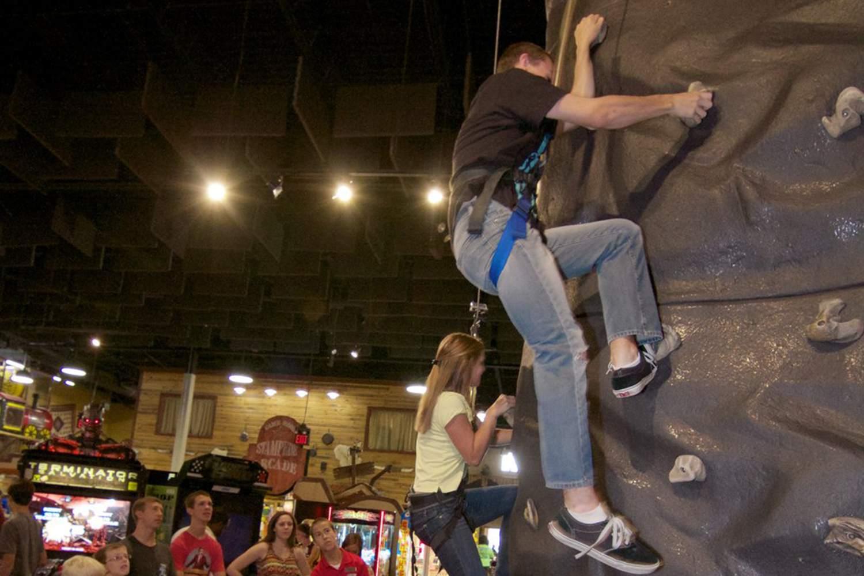 Adventure Park USA: Theme Park in Monrovia, Maryland