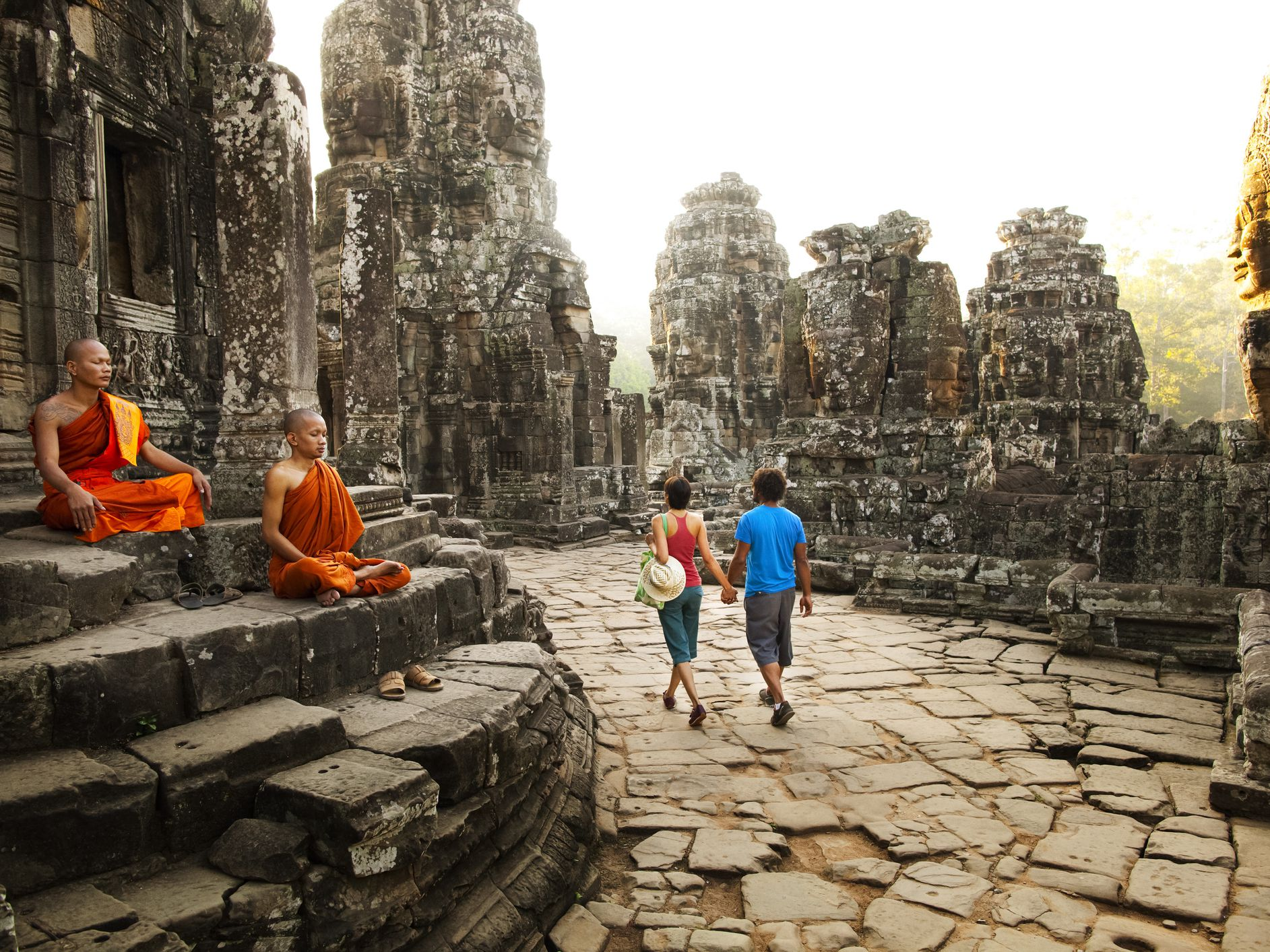 Dos and Don'ts of Etiquette While Visiting Cambodia