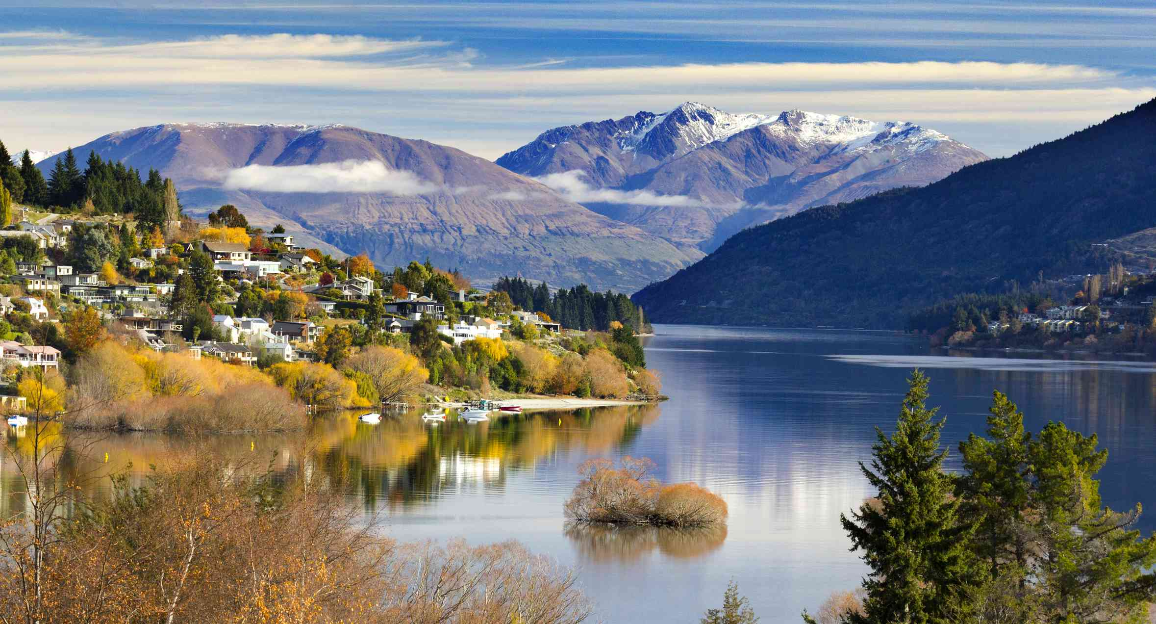snow-capped mountains, lake and houses in Queenstown