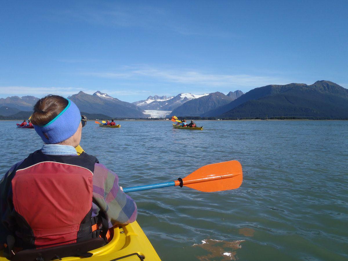 Sea kayaking and glacier viewing in Juneau