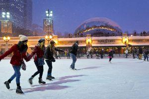 Ice skating in Chicago's Millennium Park